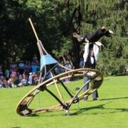 Aufführung mit dem Riesenkreisel